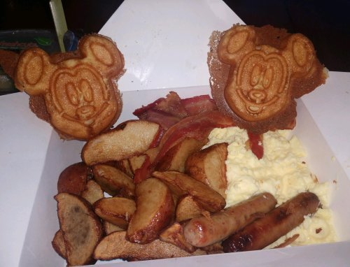 Mickey breakfast
